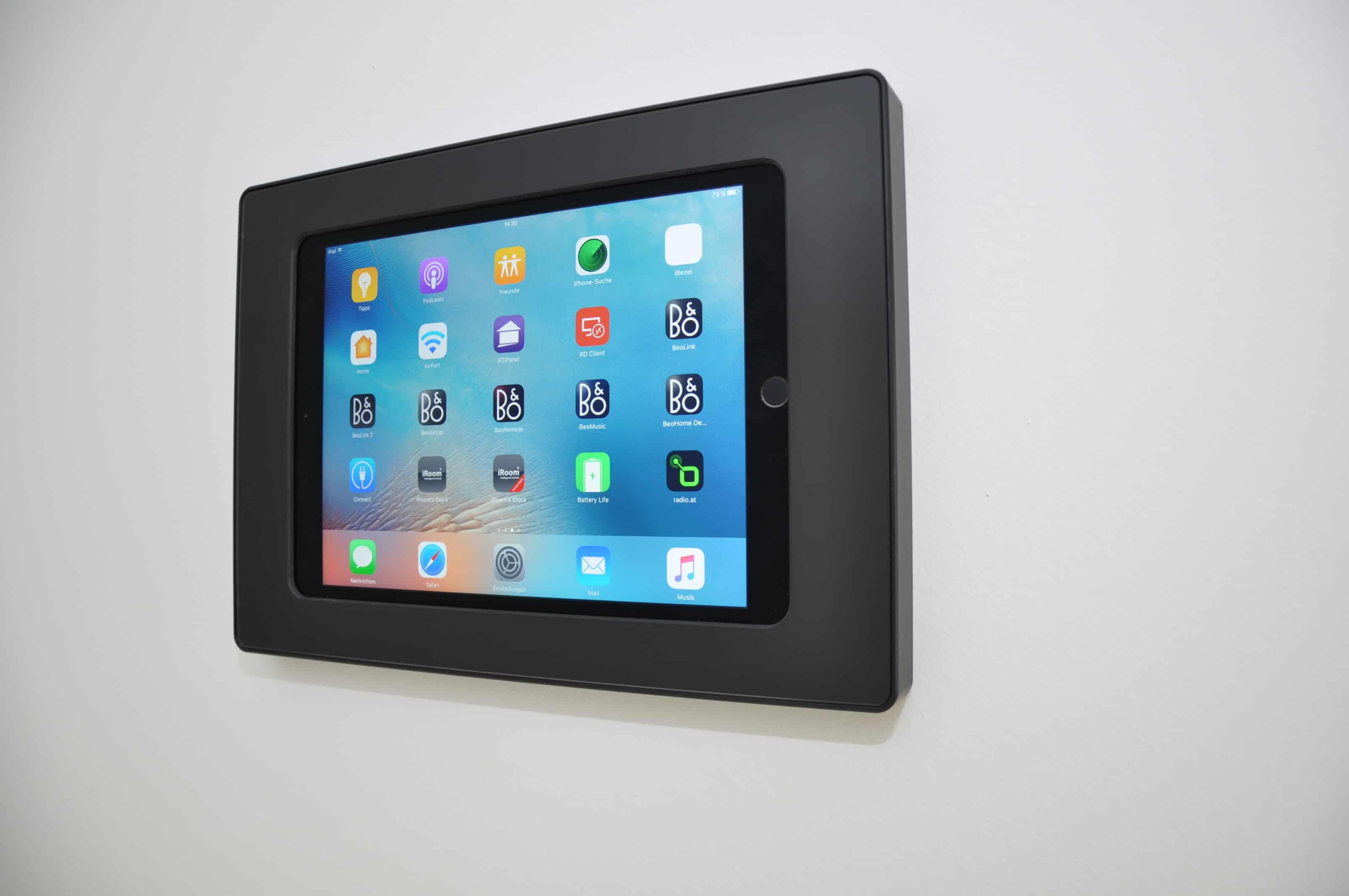 aufputz docking station f r ipad mini 1 4 schwarz iroom surdock mini4 b online shop f r. Black Bedroom Furniture Sets. Home Design Ideas